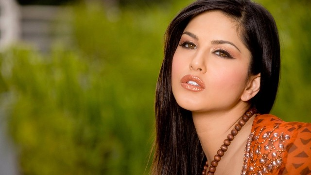 sunny leone hot photo