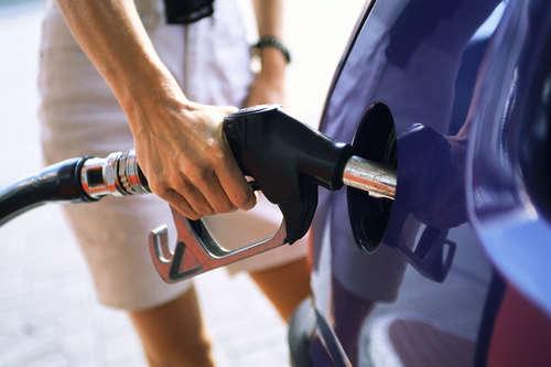 chivalry men filling gas tank