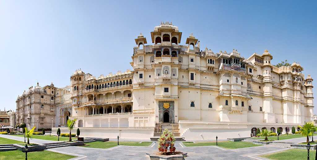udaipur honeymoon destination india