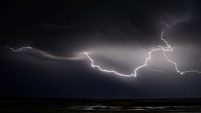 amazing facts lightning