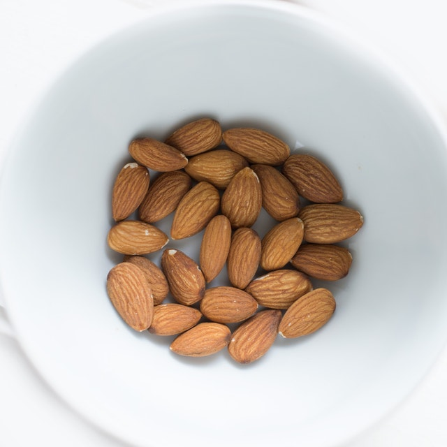 Almonds - Belly fat burning foods