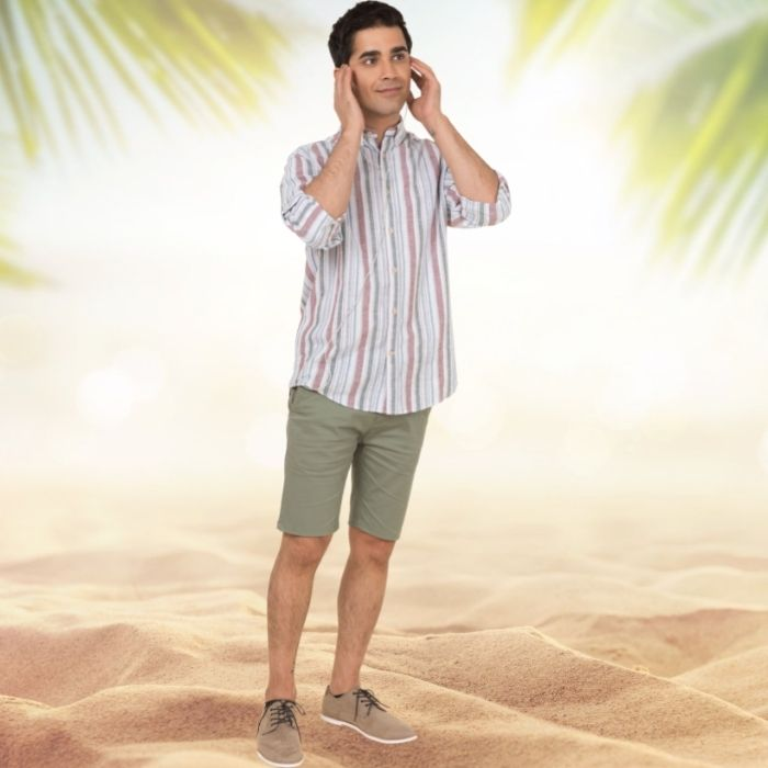 A guy wearing chinos in summer